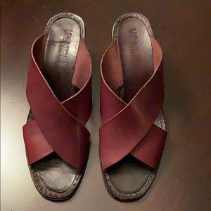 Vintage leather Vanelli sandals